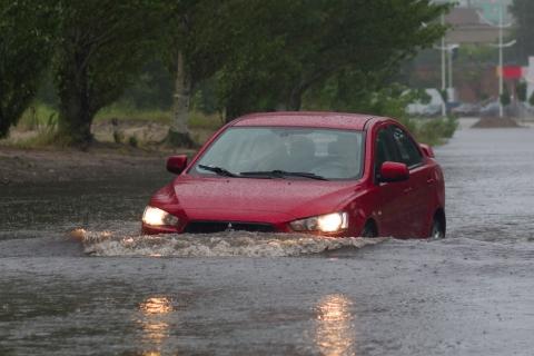 car_flood.jpg