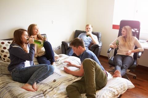 teens_alcohol_shutterstock.jpg