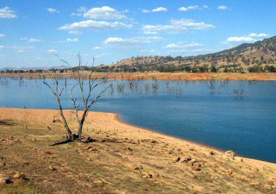 07_lake_hume_on_the_upper_murray.jpg