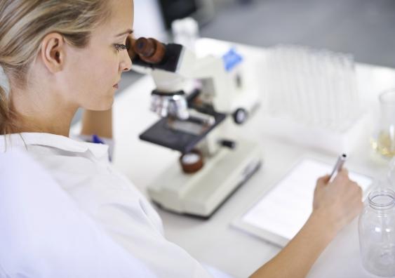 11_female_scientist.jpg