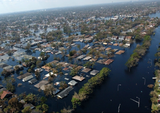 14_new_orleans_after_hurricare_katrina-us_navy.jpg