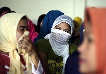 16 Indonesian migrants 0