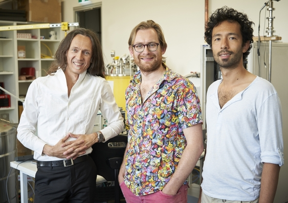 Andrea Morello, Vincent Mourik, Serwan Asaad in the lab