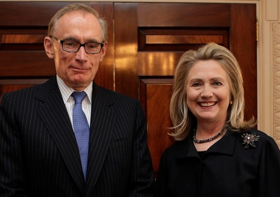 23  Foreign Minister Bob Carr with US Secretary of State Hillary Clinton 1