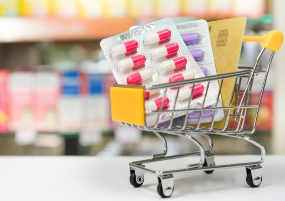 2_antibiotics_and_antimicrobial_resistance_shutterstock_562105240.jpg