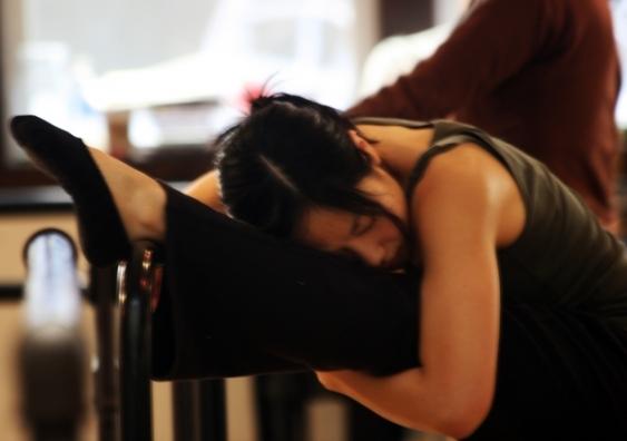 Ballet dancer stretching.jpg