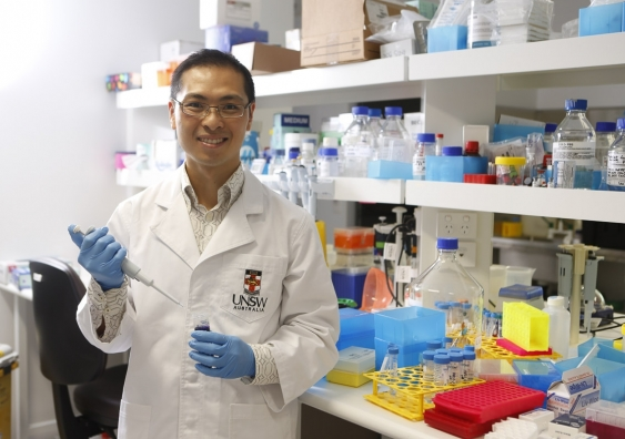dr_jason_wong_group_leader_of_bioinformatics_and_integrative_genomics_at_unsws_lowy_cancer_research_centre_3.jpg