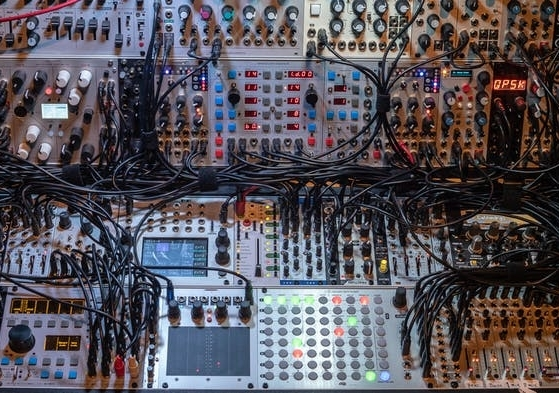 Complex audio visual computer