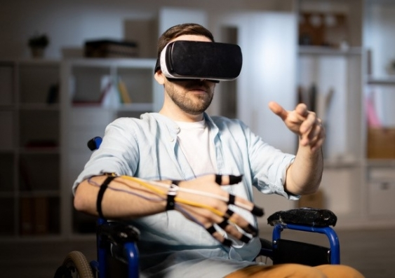 Using virtual reality to ease nerve-related pain following spinal cord injury.
