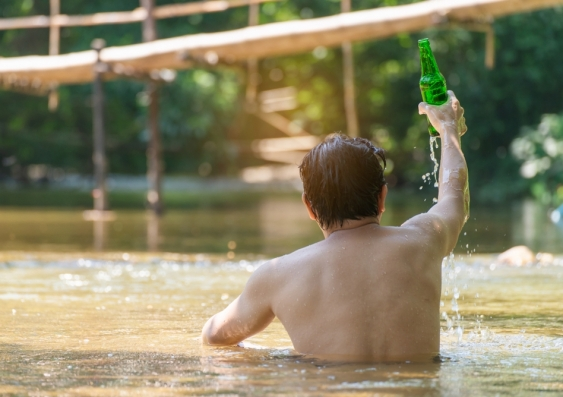 Alcohol and being male increases risk of drowning in a river