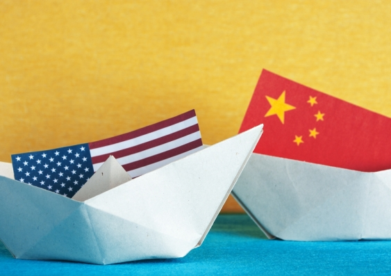 USA and China paper boats