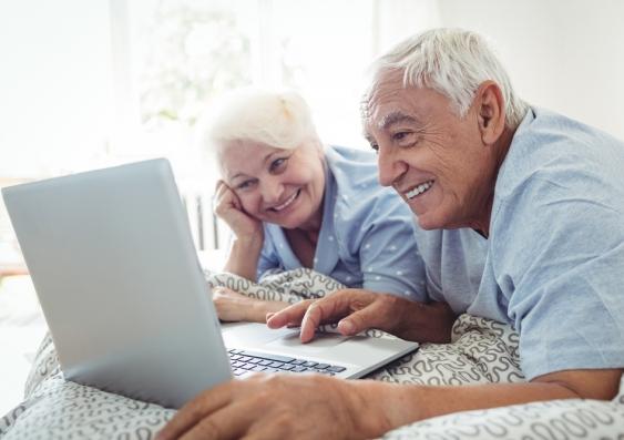 Elderly people using zoom