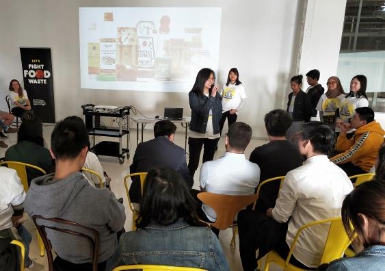 student_presentation_2.jpg