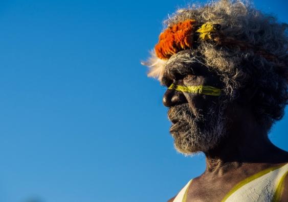 Aṉangu man at Uluru