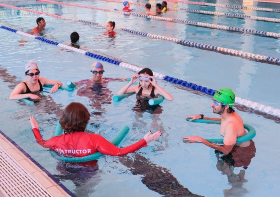 International students swimming lessons