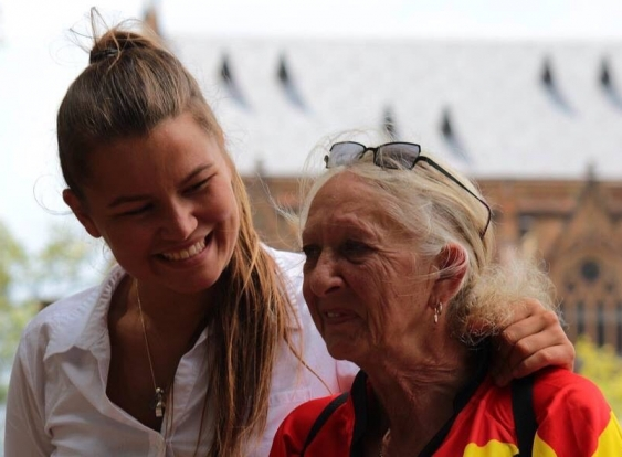 06_vanessa_turnbull-roberts_with_aunty_hazel_supplied.jpg