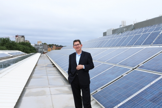 15_unsw_president_and_vice-chancellor_professor_ian_jacobs_solar_ppa_announcement_unsw_supplied.jpg
