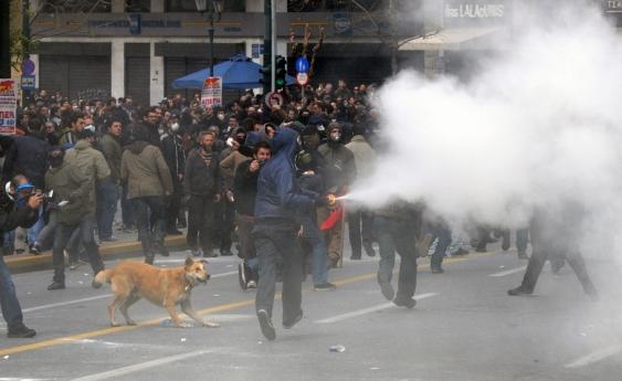 18_loukanikos_protest_kostas_koutsaftikis-shutterstock.jpg