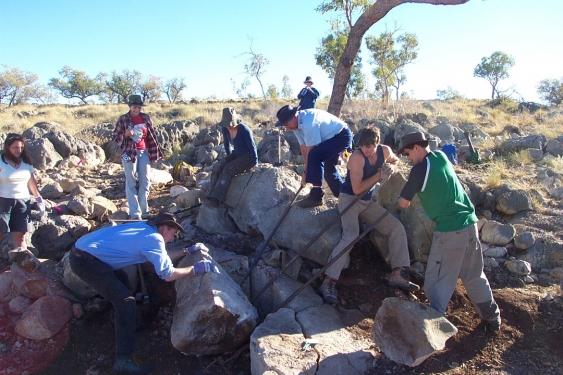 UNSW Riversleigh excavating team
