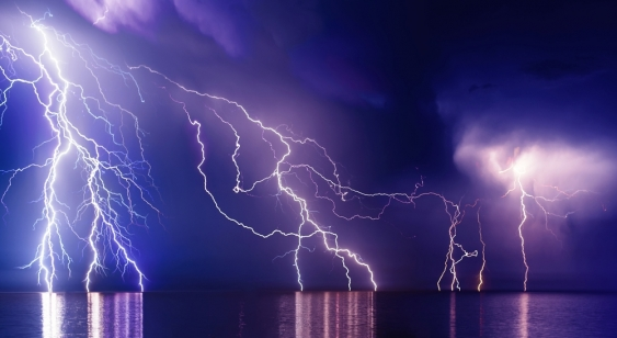 30_lightning_shutterstock.jpg