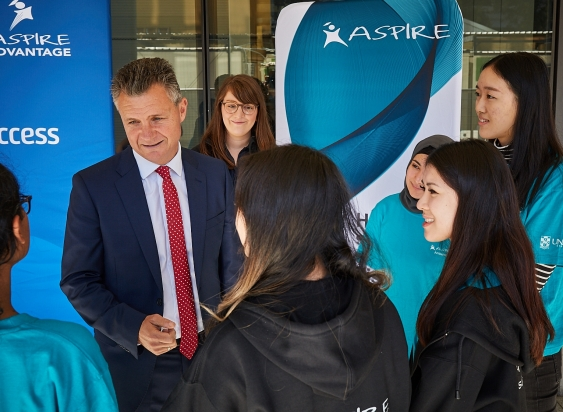 Matt Thistlethwaite, MP for Kingsford Smith with ASPIRE student ambassadors