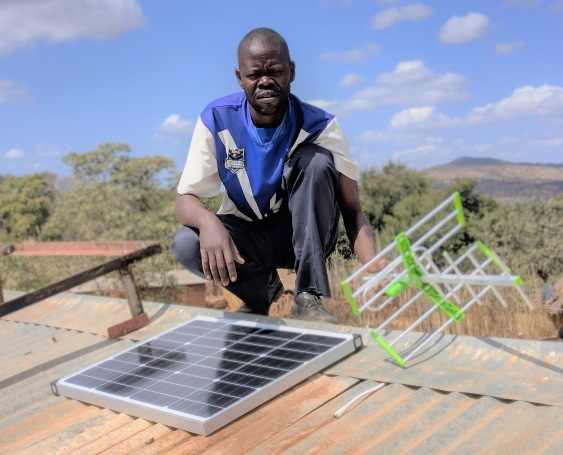 malawi_solar_panel_installation.jpg