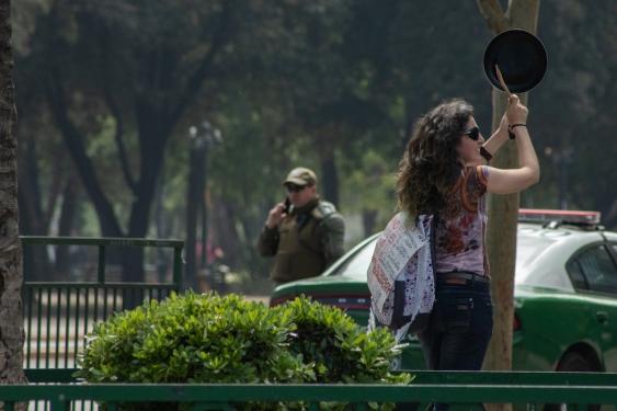 Cacerolazo protester in Chile