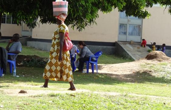 women_with_basket_on_head_1.jpg