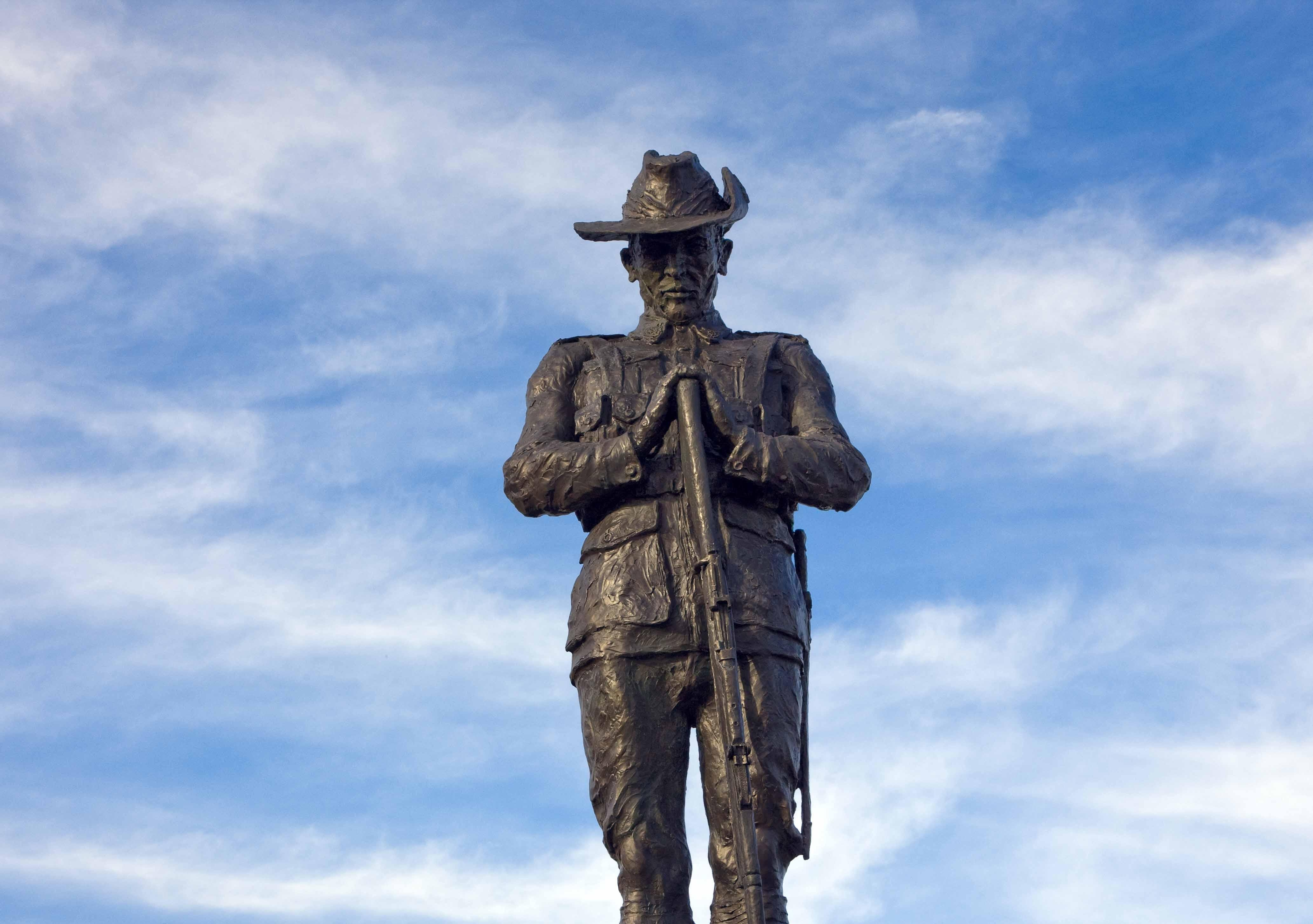 P14 Mythbusters Hero ANZAC web