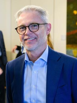 Dr Christopher Walker