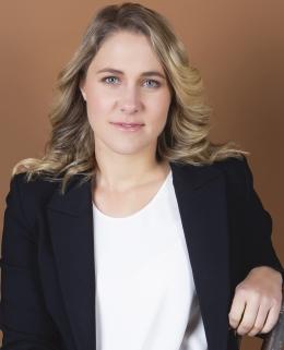Dr Nicole Bart