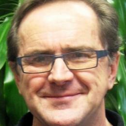 Dr Mark Rolfe