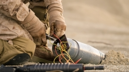 A US soldier defuses a bomb in Afghanistan.jpg