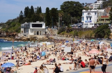 Crowds at Coogee after lockdwon