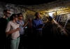 8_paul_hagan_head_of_unsws_school_of_mining_engineering_with_students_in_the_schools_virtual_reality_mining_lab.jpg