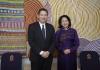 vc_ian_jacobs_and_vietnam_vice_president_dang_thi_ngoc.jpg