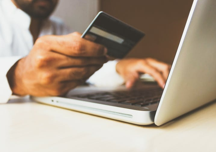 The Australian Competition and Consumer Commission (ACCC) is currently collecting submissions as part of an inquiry into online marketplaces in Australia. Photo: Rupixen.com/Unsplash, CC BY-SA