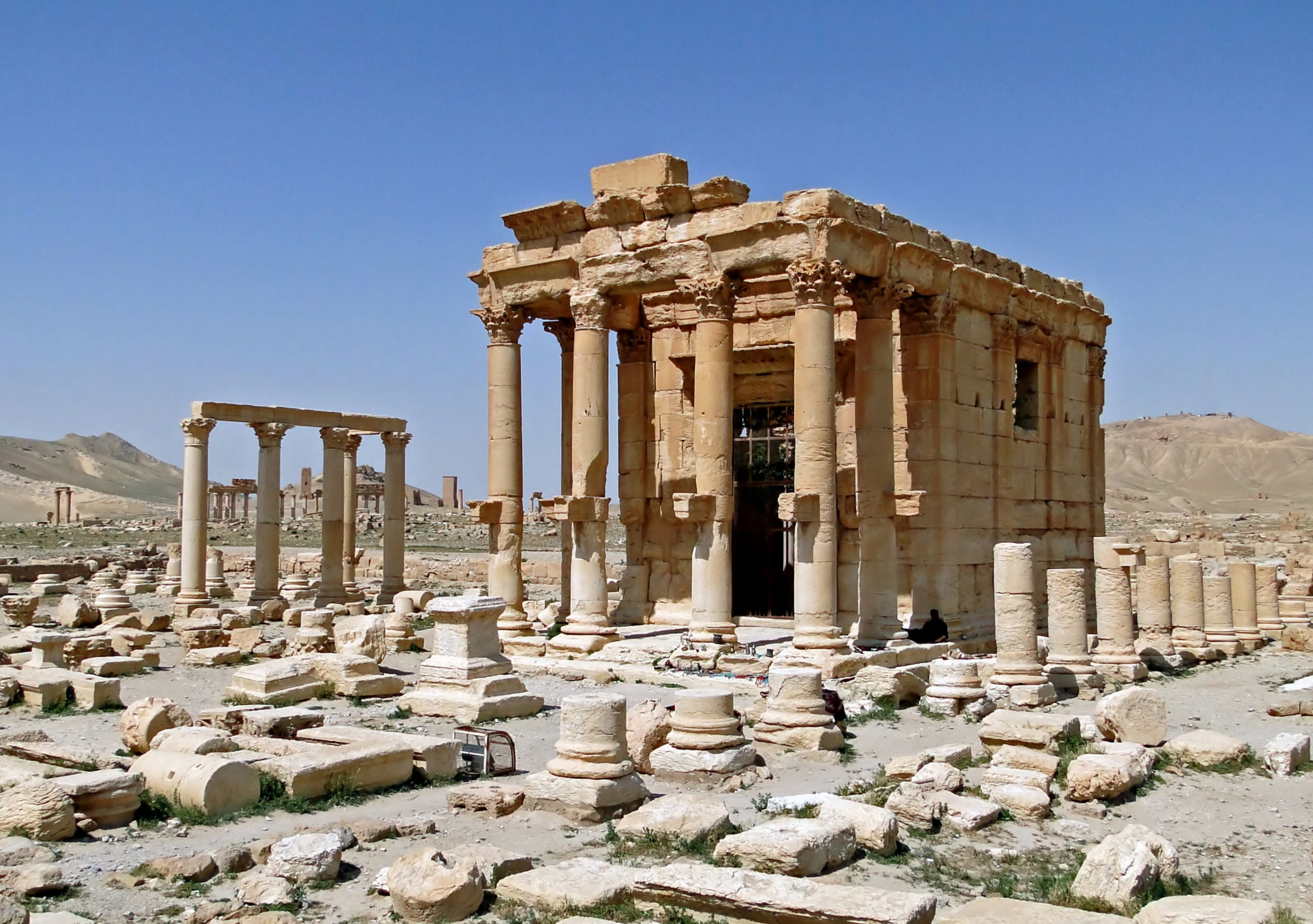 The Temple of Baalshamin in Palmyra before its destruction in August 2015. Image: Wikimedia / Bernard Gagnon CC BY-SA 3.0